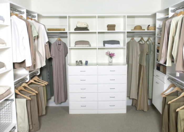 White_Walk-in_Double_Hutch_front.jpg